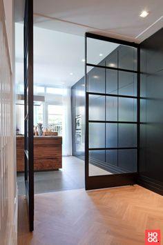 Stalen deuren met glas
