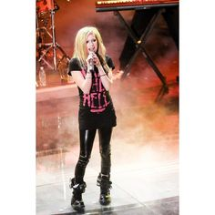 Avril Lavigne at San Remo Festival in Italy (February 19, 2011) ❤ liked on Polyvore