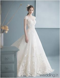 Wedding Dress Styles, Dream Wedding Dresses, Designer Wedding Dresses, Bridal Dresses, Ball Dresses, Cute Dresses, Beautiful Dresses, Sunmer Dresses, Ombre Prom Dresses