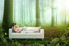 FUS147, 프리진, 그래픽, 힐링, 라이프, 생활, 라이프스타일, 에프지아이, 그래픽, 편집, 합성, 편집포토, 배경, 백그라운드, 여유, 휴식, 편안함, 깨끗함, 치유, 부드러움, 햇빛, 빛나는, 사람, 1인, 여자, 풍경, 앉아있는, 소파, 가구, 의자, 나비, 곤충, 숲, 나무, 자연, 풀, 안개, 전신, 이어폰,graphic,graphics #유토이미지 #프리진 #utoimage #freegine 19986216