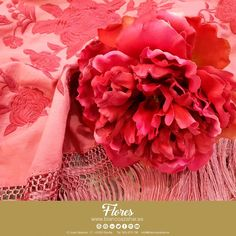 🌸💃Preciosas #Peonías para tu #look de #flamenca de #BlancoAzahar.  #TodosLosColores en más de 100 especies de flores.  #ModaFlamenca #FeriadeAbril #FeriadeAbril2018 #Sevilla #floresflamenca #Mantoncillo #Flordeflamenca #Pendientesdeflamenca Ruffle Blouse, Women, Fashion, Orange Blossom, Flamingo, Sevilla, Beauty, Moda, Fashion Styles
