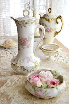 Antique pink roses teapots and tea cup and soft pink roses - so lovely and romantic!