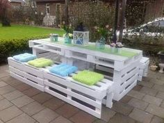 Projects to recycle pallets http://comoorganizarlacasa.com/en/projects-recycle-pallets/ Proyectos de reciclaje de tarimas #Diyprojects #Ideastorecycle #Projectstorecyclepallets #Proyecttorecycle #Recyclingtips
