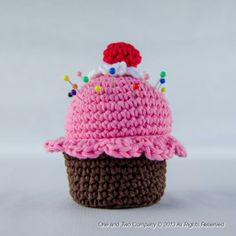 Cupcake Pincushion F