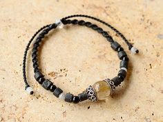 Golden rutile quartz / Onix Bracelet
