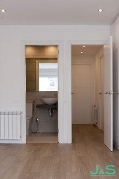 Espacios funcionales Bathroom Lighting, Living Spaces, Cabinet, Mirror, Storage, Furniture, Home Decor, Spaces, Flats