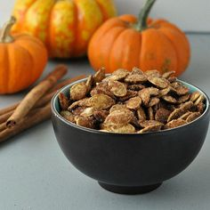 Cinnamon and Sugar Pumpkin Seeds Recipe Cinnamon Sugar Pumpkin Seeds, Pumpkin Spice, Raw Pumpkin Seeds, Pumpkin Carving, Dog Food Recipes, Snack Recipes, Dessert Recipes, Cooking Recipes, Appetizer Recipes