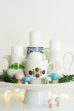 You have no time or desire to make an Advent wreath? Then it does like me, you candles in old dishes. 😉 Nee in Ern … Source by antjelichtenber Christmas Feeling, Christmas Wishes, All Things Christmas, Vintage Christmas, Christmas Time, Advent Candles, Christmas Candles, Diy Candles, Christmas Decorations
