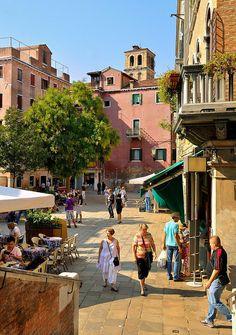 Venice : Campo Santa Maria Nova / Down the bridge of Miracles