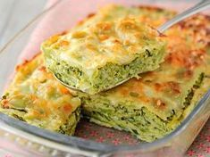 Zucchini ravioli gratin: discover the cooking recipes of Femme Actuelle Le MAG - RECETTES - Vegetarian Recipes Zucchini Ravioli, Vegetarian Zucchini Lasagna, Baked Recipes Vegetarian, Baked Pasta Recipes, Baking Recipes, Healthy Recipes, Vegetarian Food, Delicious Recipes, Breakfast Food List