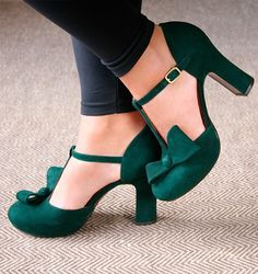 New favorite show designer. I'd choose confront over style, but I think she has nailed both. Have to try a pair very soon!