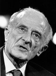 Fred Zinnemann (1907-1997)  Film director, immigrated 1929  Filmregisseur, eingewandert 1929  (AP Photo)