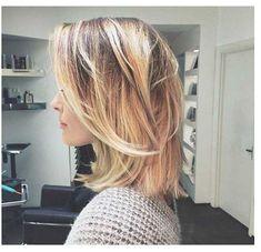 Short-Layered-Hair-Styles - Peinados y pelo 2017 para hombre y mujeres Modern Bob Haircut, Long Bob Haircuts, Bob Hairstyles, Layered Hairstyles, Modern Haircuts, Trendy Haircuts, Summer Hairstyles, Medium Hair Styles, Short Hair Styles