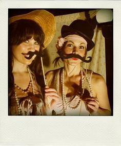 roaring 20s birthday theme party with photo booth and props