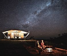 Prefer not to leave the comforts of home behind when you go camping? Check out these picturesque glamping stays in NSW, from cosy winery escapes to safari-style bush luxury, and plan the ultimate camping trip for when travel opens again. Bubbletent Australia, Blue Mountains Stargazers and romantics will fall in love with these magical clear […] The post 7 of the best glamping options to try in New South Wales appeared first on A Luxury Travel Blog.