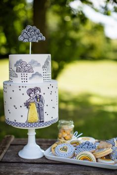 Hand illustrated #weddingcake by Nevie Pie Cakes  #quirkyweddingideas #greywedding