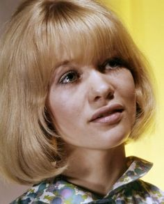 Judy Geeson - Judith Amanda Geeson (born 10 September is an English film, stage, and television actress. Sally Geeson, Judy Geeson, English Actresses, Gilmore Girls, Beautiful Actresses, Beautiful Women, Hollywood, People, September 10