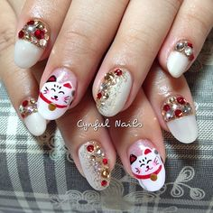 .@cynfulnails | Fortune cat with crystals and gold glitter. :) #cutenails #sgnails #manicure ... | Webstagram