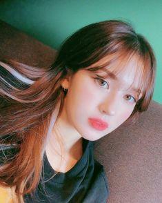 [IG] 190820 update Be a cupcake in a world of muffins. South Korean Girls, Korean Girl Groups, Korean Women, Korean Bangs, Mode Rose, Elegant Wedding Hair, Jeon Somi, Korean Girl Fashion, Cute Faces