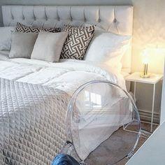 Bedroom harmony via instagram.com/interiorbym/