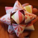 Christmas Paper Bows | AllFreeChristmasCrafts.com