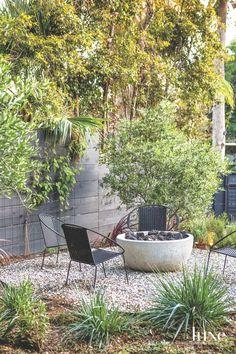 Design Insight from the Editors of Luxe Interiors + Design Garden Furniture, Outdoor Furniture Sets, Outdoor Decor, Outdoor Seating, Outdoor Spaces, Outdoor Living, Side Yard Landscaping, Landscaping Ideas, Australian Native Garden