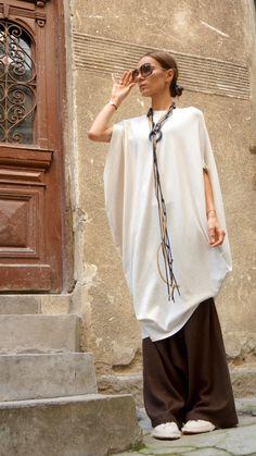Sexy Summer Ivory Loose Kaftan / Asymmetric Sleeveless by Aakasha