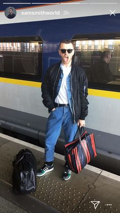 Sam Smith on his way from London to Paris - September 2017