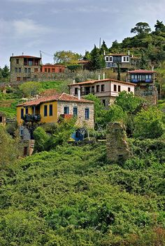 TRAVEL'IN GREECE I Parthenonas Village is located in #Halkidiki prefecture, 5 Km from Neos Marmaras Village and 125 Km from Thessaloniki, #travelingreece
