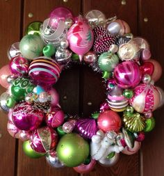 Beautiful Xmas wreath made from vintage ornaments  ;)
