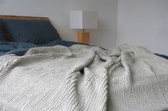 Pleated natural linen linen blanket for a cozy wrap or for covering a bed. Our 100% linen throw blanket offers the comfort and design suitable for every interior from modern to rustic. Absorbs moisture, remains cool, thermo-regulating - warm in winter, cool in summer.  Composition: 85% linen, 15% cotton, softened with special softening technique (stone washing). The fabric is made in Europe (European Union).  Heavy weight.  Size: Double, Twin, Queen 200x220 cm/ 78x86 King 250x250 cm/ 98x98…