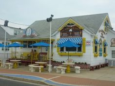 Sea Shell Ice Cream Parlor, Wildwood, NJ.   THE Best place for Ice Cream in the Wildwoods.