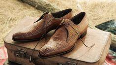 Carlos Santos handcrafted footwear - Suit World Sock Shoes, Men's Shoes, Dress Shoes, Older Mens Fashion, Men's Fashion, Men Suit Shoes, Goodyear Welt, Brown Shoe, Mens Suits