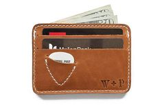 """FOR ADULTS & TEENS: Whipping Post's """"Mojave"""" Picker's Wallet is a slim essentials-only full-grain leather wallet with built-in guitar pick holder. Best Minimalist Wallet, Minimal Wallet, Simple Wallet, Minimalist Leather Wallet, Funky Gifts, Guitar Accessories, Hunting Accessories, Leather Accessories, Slim Wallet"""