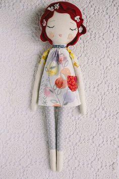 Muñeca flor pelo rojo