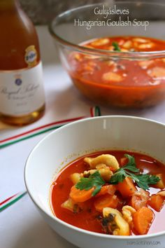 Hungarian Goulash Soup (Gulyásleves) has delicious vegetables, beef, sweet Hungarian paprika, parikacrem, petite little dumplings and lots of fresh parsley Healthy Appetizers, Healthy Dishes, Healthy Recipes, Healthy Soups, Healthy Food, Goulash Soup, Slow Cooker Pressure Cooker, Soup Broth, Hungarian Recipes