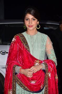 Anushka Sharma and Malaika Arora Khan at a wedding reception
