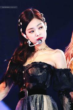 190105 Golden Disk Awards 2019 - Another! Kim Jennie, Kpop Girl Groups, Korean Girl Groups, Kpop Girls, Redhead Girl, Brunette Girl, Tumbrl Girls, Kim Jisoo, Black Pink Kpop