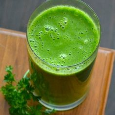Green Smoothie daily (Eat to Run) My Recipes, Smoothies, Clean Eating, Green, Food, Smoothie, Eat Healthy, Healthy Nutrition, Essen