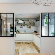 Verrière Cuisine : ienvenue chez Marion à Bordeaux ! Résolument tendance avec sa double verrière atelier les meubles Delinea et le double plan de travail