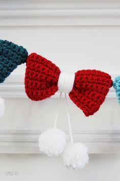 Cute Crochet Bow Garland - Tutorial ❥ 4U hilariafina  http://www.pinterest.com/hilariafina/