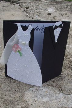 Svatební přání / Zboží prodejce Papírenka | Fler.cz Wedding Cake Knife Set, Diy Bracelets Patterns, Diy Teddy Bear, Wedding Cards Handmade, Valentines Day Greetings, Diy Gift Box, Wedding Anniversary Cards, Wedding Scrapbook, Wedding Boxes