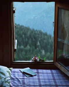 window view~~Gito Plateau,Camlıhemsin,Rize (Eastern Black Sea Region of Turkey // photography by Mücahit Muğlu ( Cabin In The Woods, Window View, Through The Window, Windows, Cozy Place, Beautiful Places, House Beautiful, Relax, Room Decor