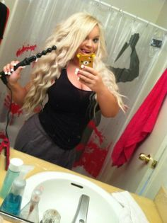 Beautiful Trisha Paytas is loving our Pearl for her long, mermaid waves :)