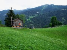 The quaint and cozy Sarreyer cabin designed by Swiss architect Rapin Saiz is an exquisite example of modern rustic architecture. Winter Cabin, Cabin Design, Swiss Alps, Cabana, Modern Rustic, Tiny House, Nature Photography, Photos, Architecture
