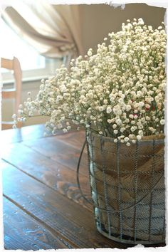 Love love love this arrangement for the kitchen table...great for spring.
