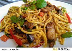 Barevná čínská pánev se žampiony aneb 2 v 1 recept - TopRecepty.cz Pasta Noodles, Easy Cooking, How To Cook Pasta, Spaghetti, Food And Drink, Menu, Treats, Dinner, Ethnic Recipes