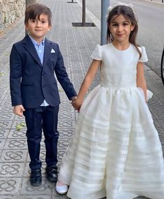 Lionel Messi Barcelona, Fc Barcelona, Messi And Wife, Lionel Messi Family, Footballers Wives, Leo, Lionel Messi Wallpapers, Argentina National Team, Wife And Girlfriend