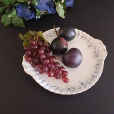 7 Cake, Light Purple Flowers, Gold Gilding, Pretty Cakes, Serving Plates, Royal Albert, Cake Plates, Vintage China, Bone China