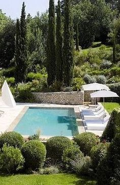 Landscaping a swimming pool area is a different challenge for everyone, equally as the layout of each home as well as garden is unique.Mediterranean landscape layout and also pool integrate attributes that provide a rustic or Old World appearance Outdoor Pool, Outdoor Spaces, Outdoor Gardens, Outdoor Living, Pool Bad, Landscape Design, Garden Design, Backyard Pool Landscaping, Landscaping Ideas